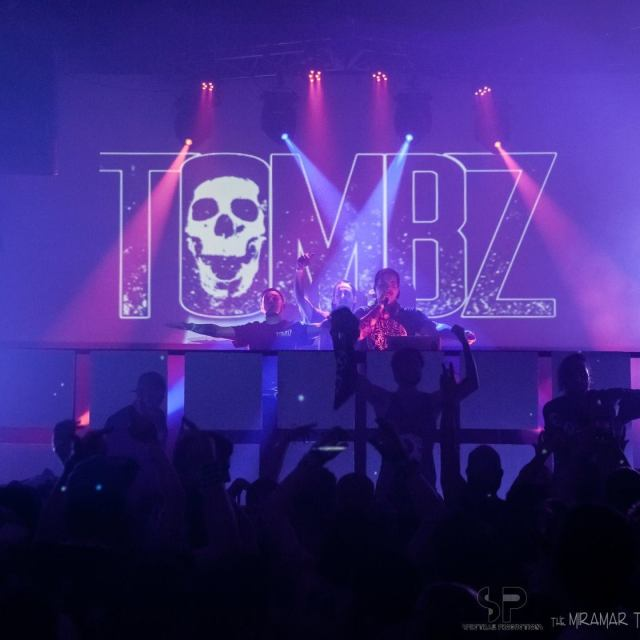 Tombz